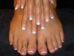 nail-art-piedi-mani-sposa.jpg