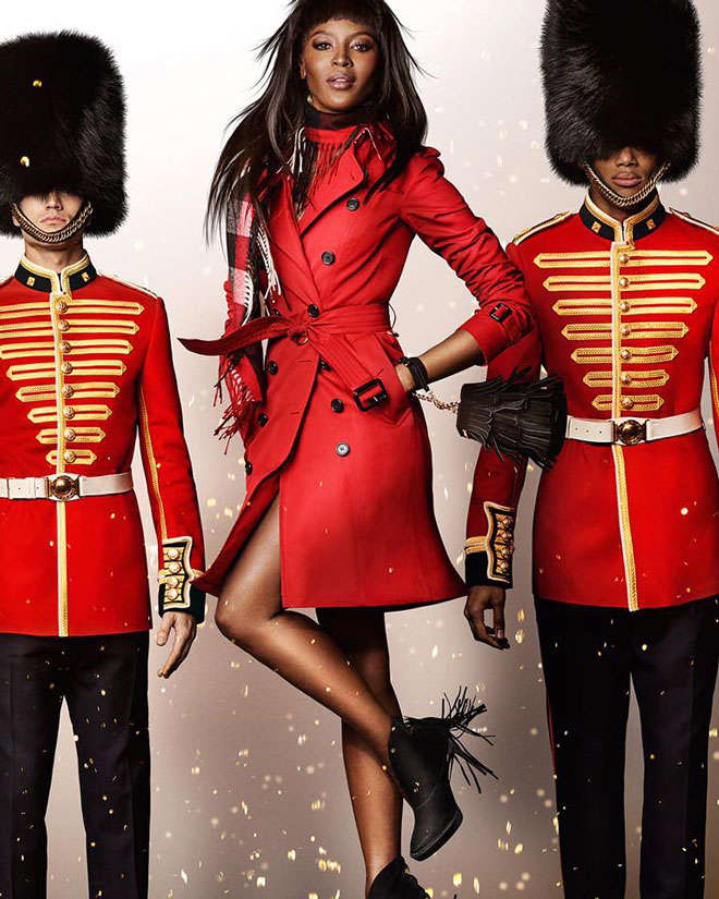 20151113_110998_naomi_campbell_per_burberry__scatto_di_m