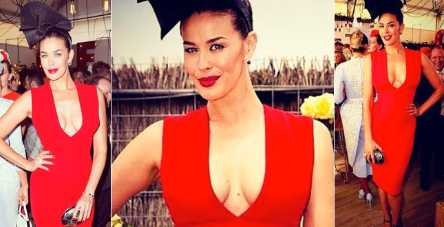 megan_gale_in_rosso_645
