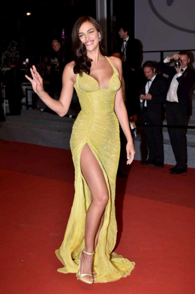 Irina Shayk a Cannes, il primo red carpet post parto
